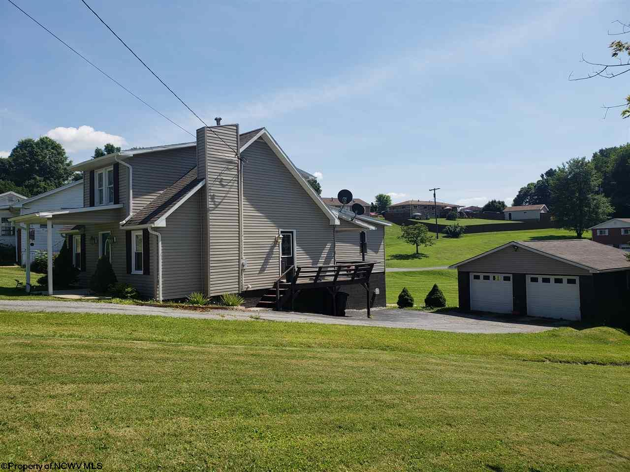 3172 FAIRMONT AVENUE, FAIRMONT, WV 26554  Photo 2
