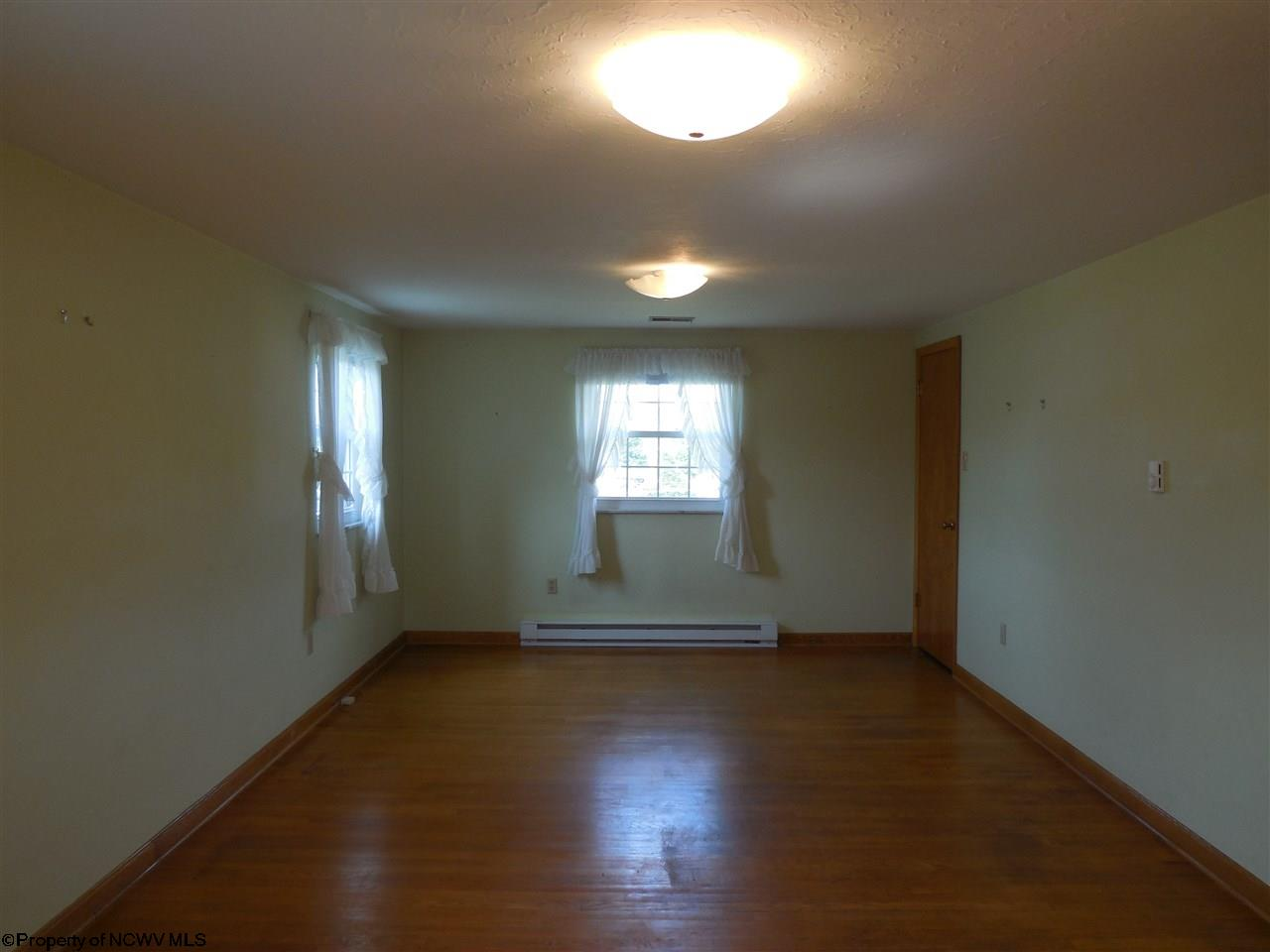 1506 ROSE LANE, FAIRMONT, WV 26554  Photo 8