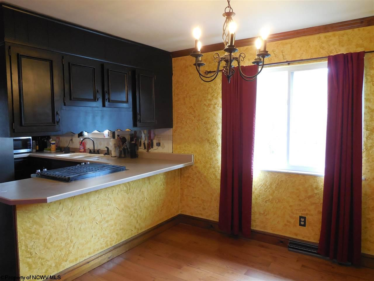 215 ROBERTS STREET, FAIRMONT, WV 26554  Photo 6