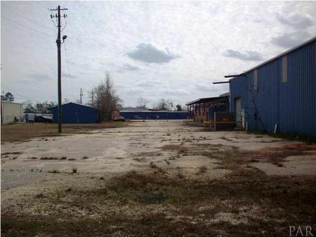 315 E Ridgeley St, Atmore, AL 36502