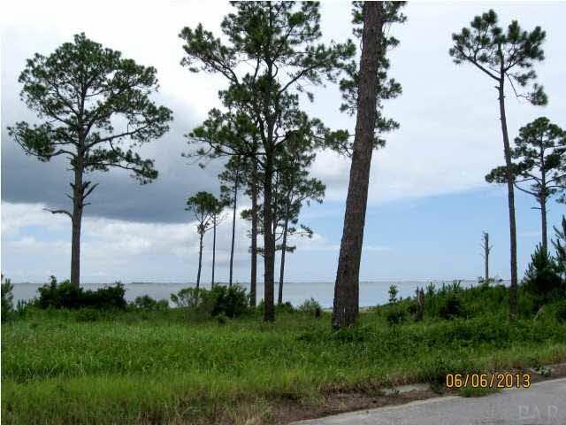 5990 Emerald Sound Dr, Gulf Breeze, FL 32563