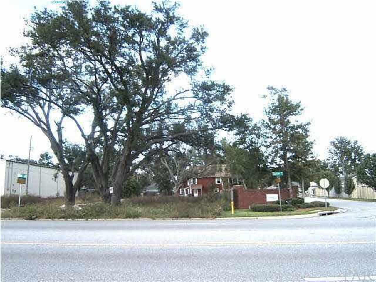 2800 Copter Rd, Pensacola, FL 32514