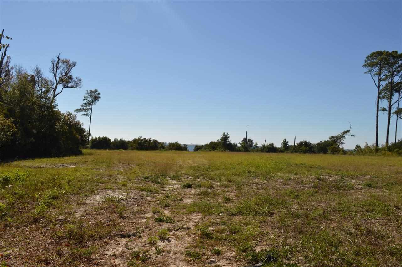 1752 Soundhaven Ct, Navarre, FL 32566