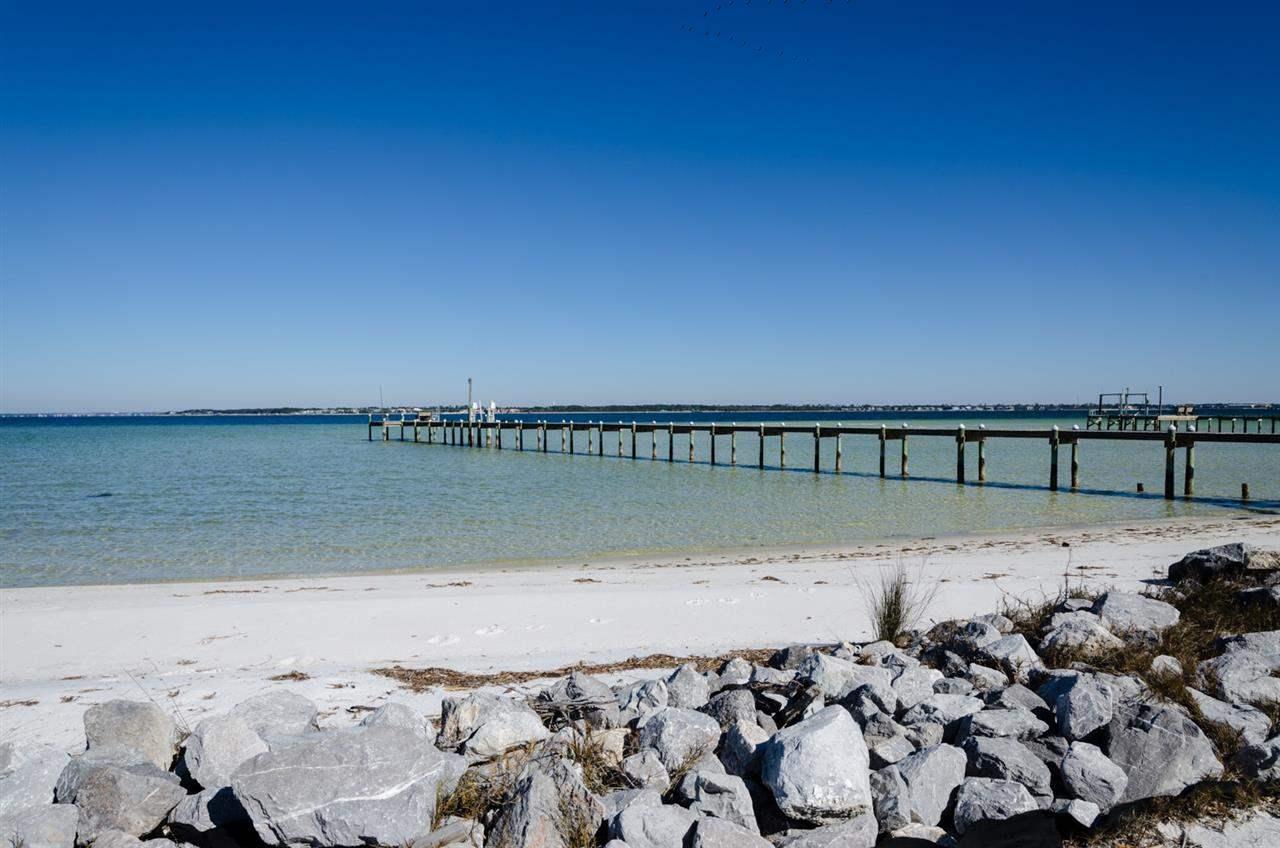 37 E Galvez Ct, Pensacola Beach, FL 32561