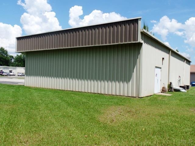 810 E Craig St, Atmore, AL 36502