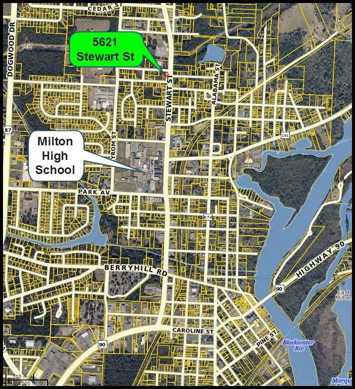 5621 Stewart St, Milton, FL 32570