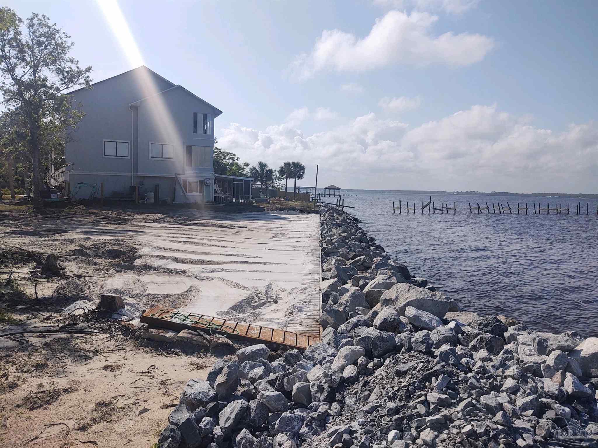 N Shores Dr, Navarre, FL 32566
