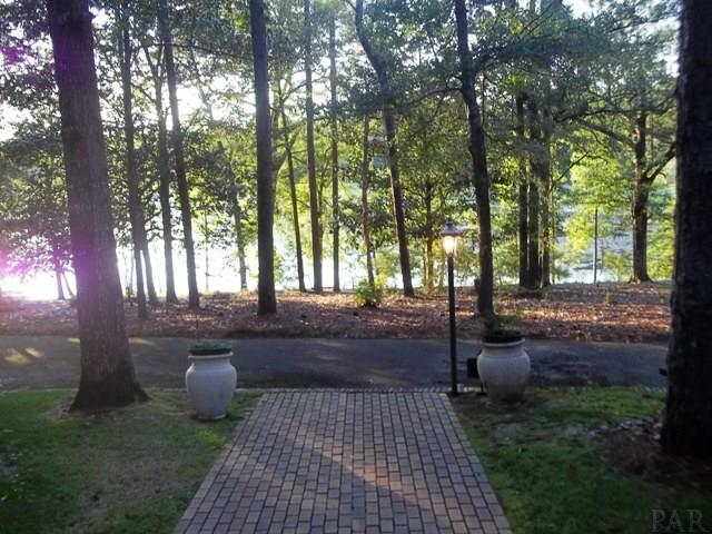 2005 Kimberly Dr, Atmore, AL 36502