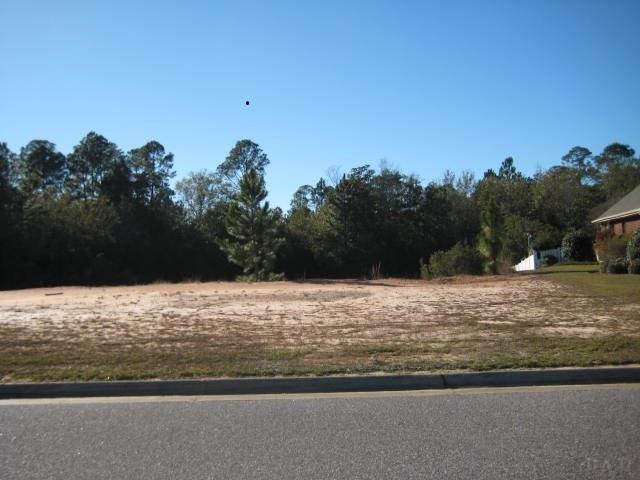 5728 Highland Lake Dr, Milton, FL 32583