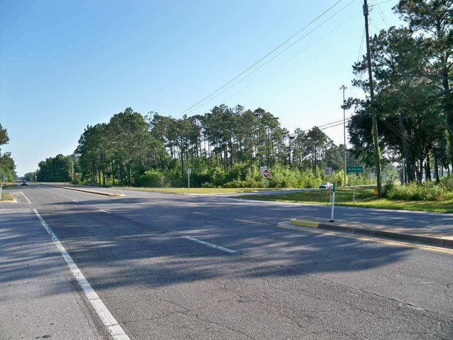 00 Garcon Point Rd, Milton, FL 32583