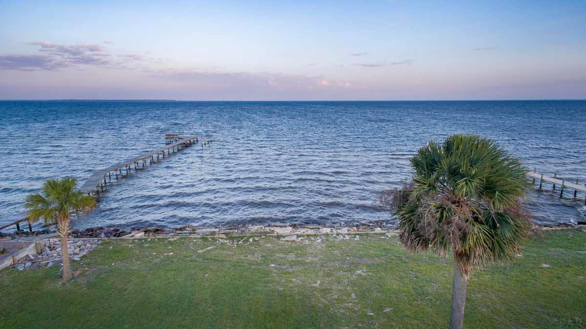 1065 Harbourview Cir, Pensacola, FL 32507