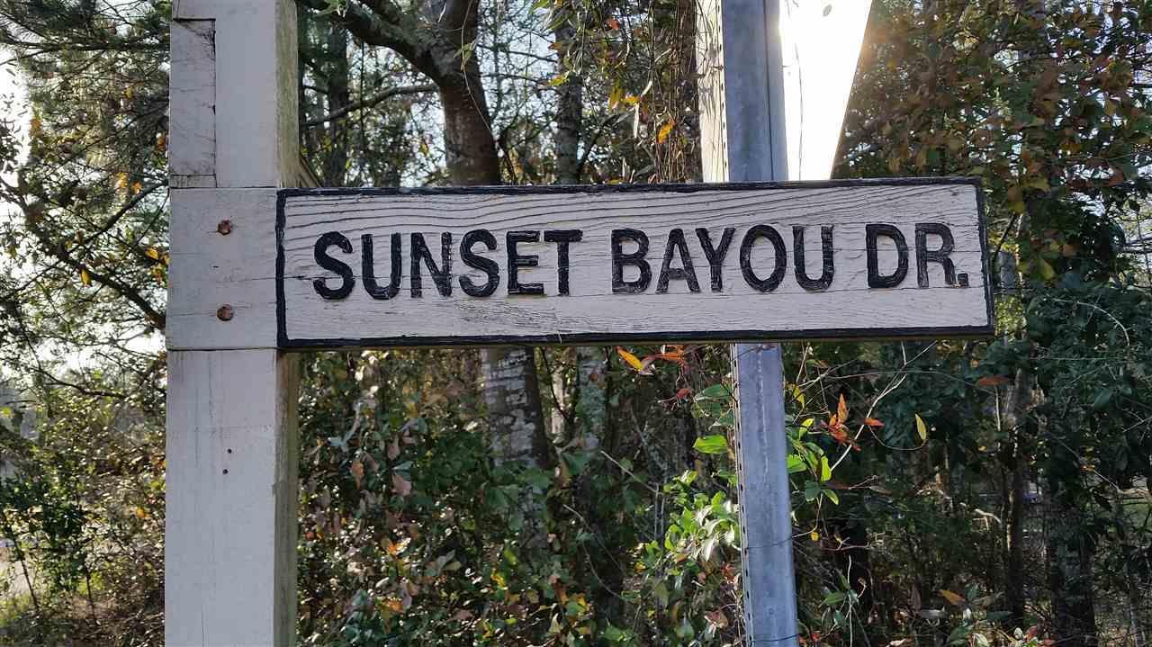 3339 Sunset Bayou Dr, Milton, FL 32583