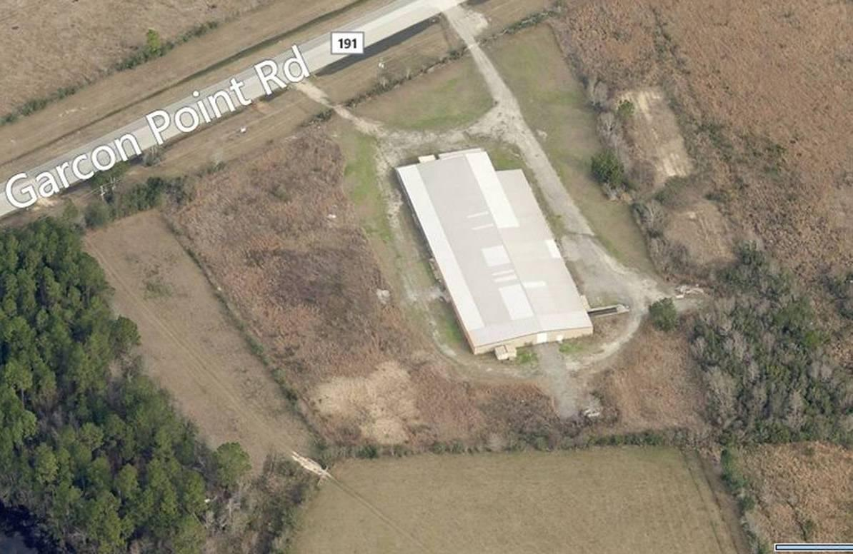 3524 Garcon Point Rd, Milton, FL 32583