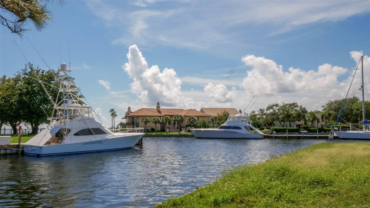 2623 Bay St, Gulf Breeze, FL 32563