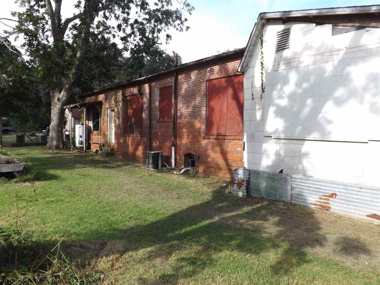 1411 N Hwy 95a, Cantonment, FL 32533