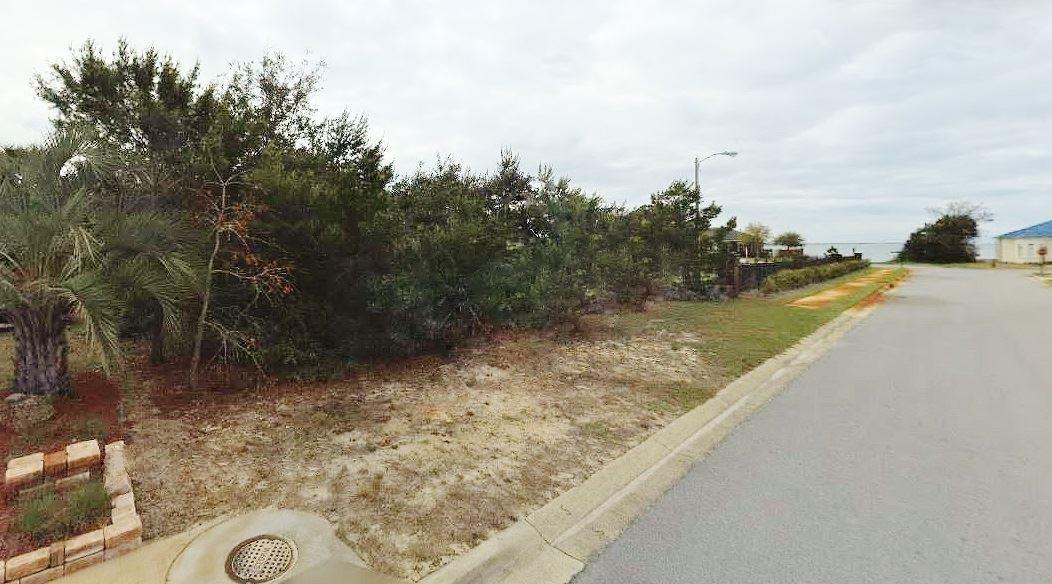 1976 Heritage Park Way #Tbb, Navarre, FL 32566