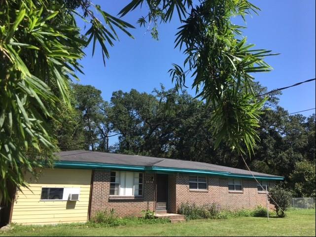 5810 W Fairfield Dr, Pensacola, FL 32506