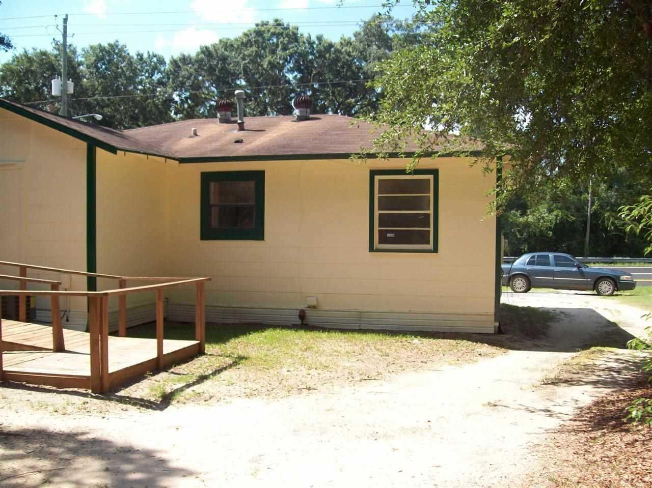 7101 W Fairfield Dr, Pensacola, FL 32506