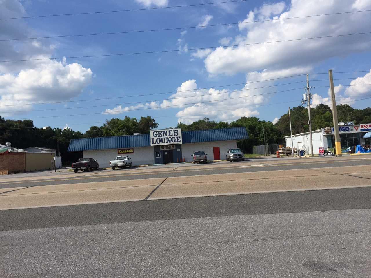 3810 Navy Blvd, Pensacola, FL 32507