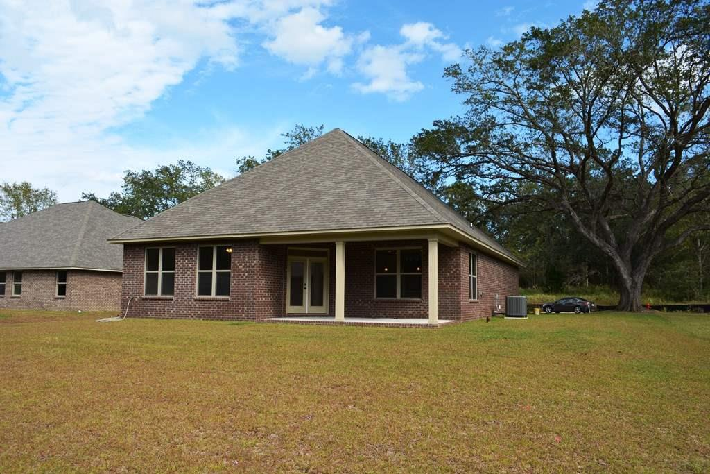 519 Upland Rd, Cantonment, FL 32533