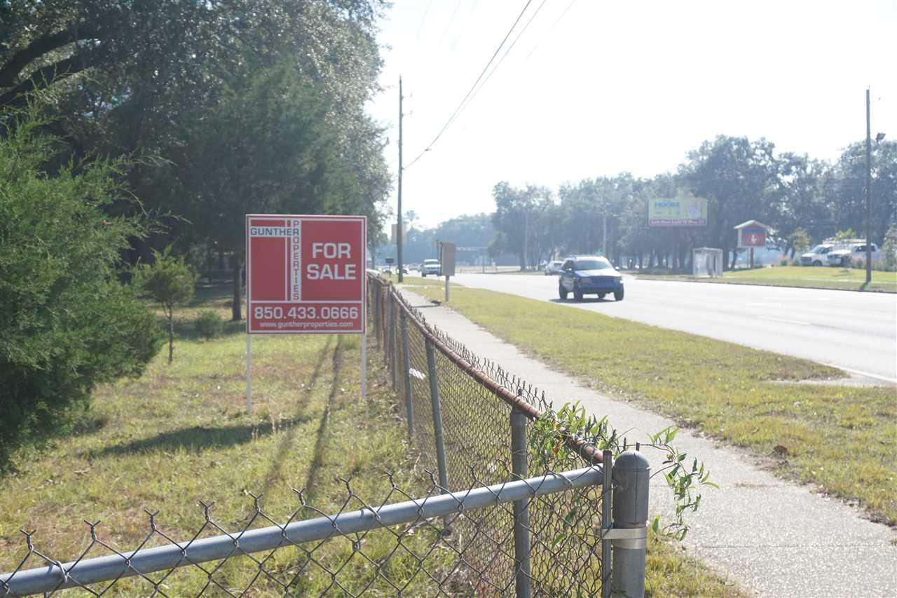 6716 Pine Forest Rd, Pensacola, FL 32526
