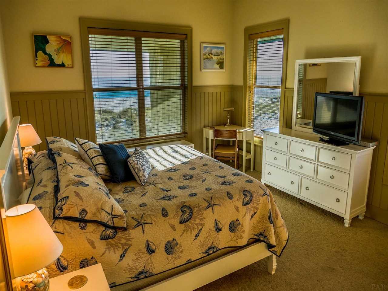 102 Ariola Dr, Pensacola Beach, FL 32561