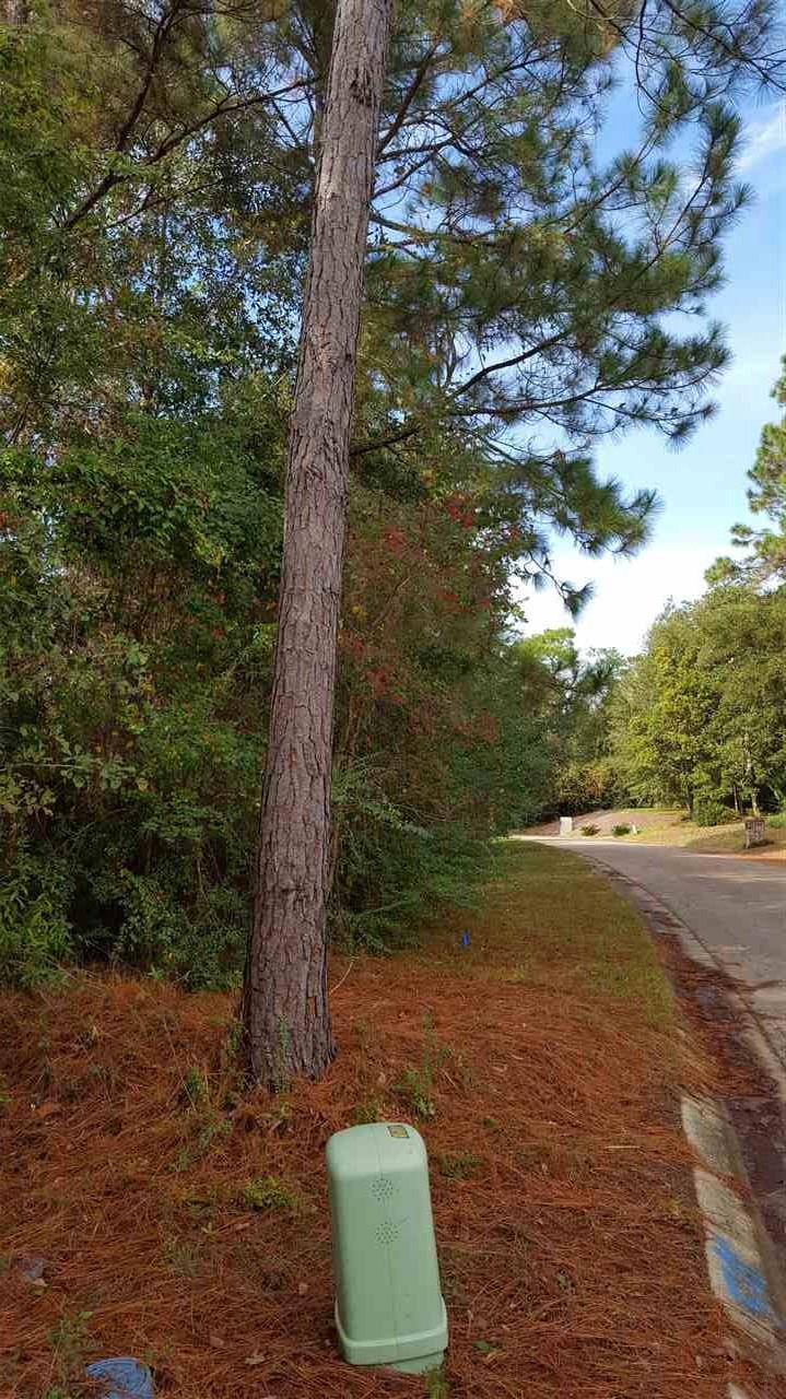 1048 Fleming Dr, Pensacola, FL 32514