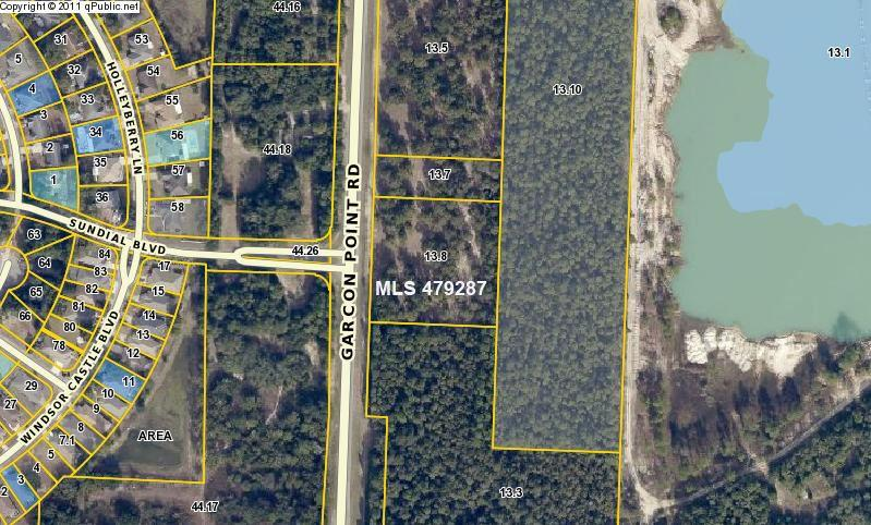 000 Garcon Point Rd, Milton, FL 32583