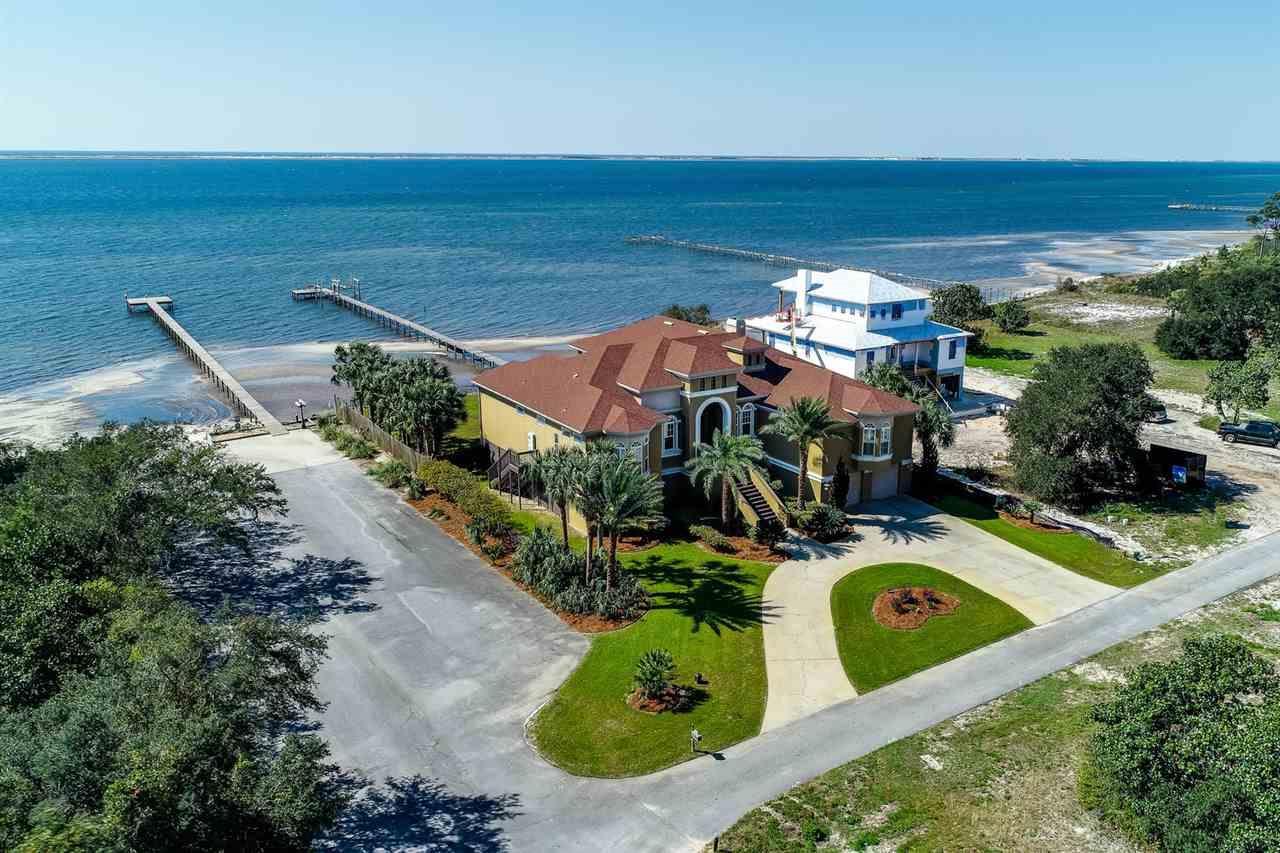 1612 Smugglers Cove Cir, Gulf Breeze, FL 32563