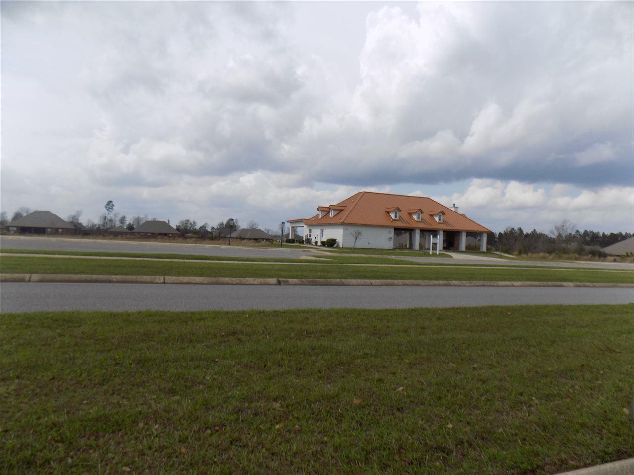 70 Pid Wildhurst Trl, Pace, FL 32571