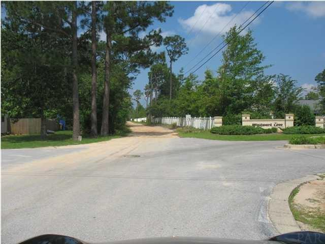 12900 Seratine Dr, Pensacola, FL 32506