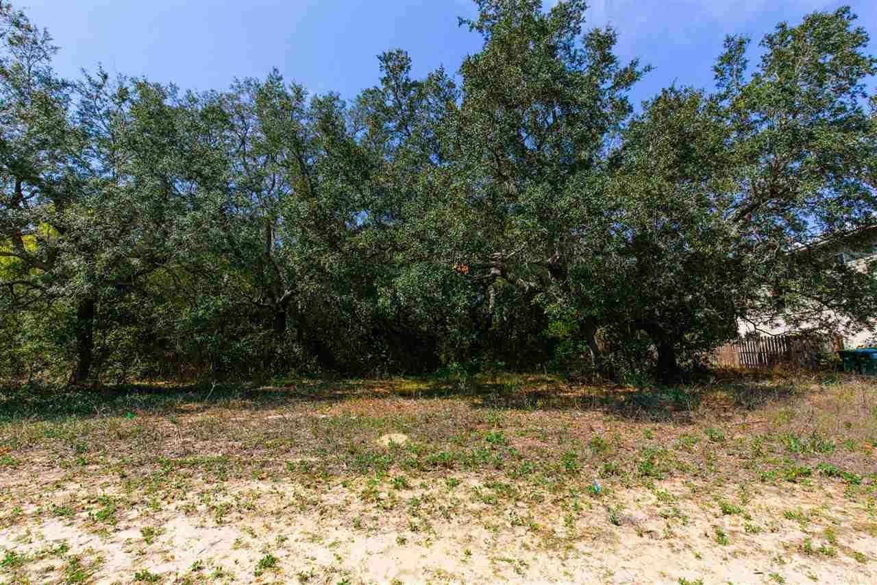 5 Grand Reserve Ct, Gulf Breeze, FL 32563
