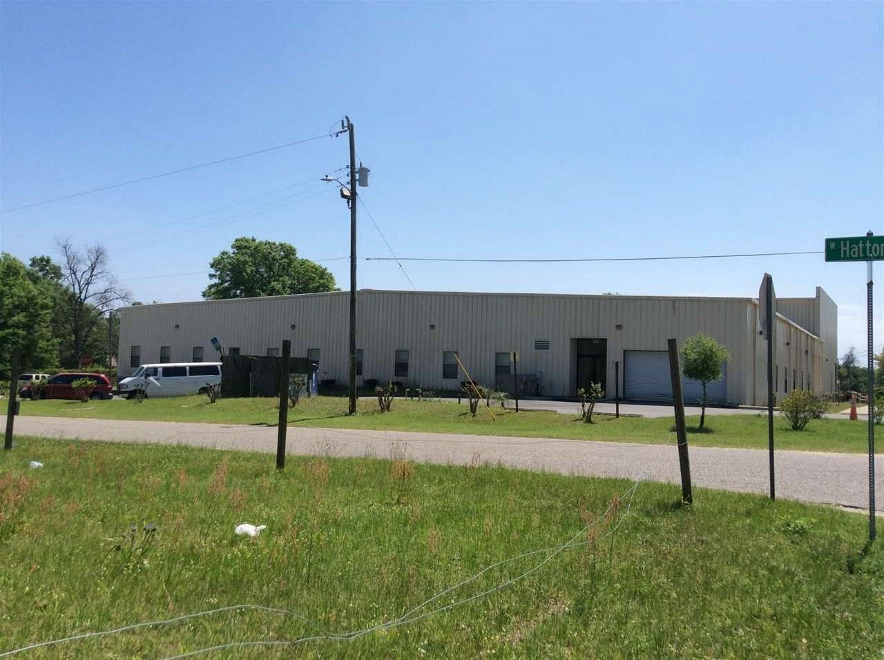 2607 N H St, Pensacola, FL 32501