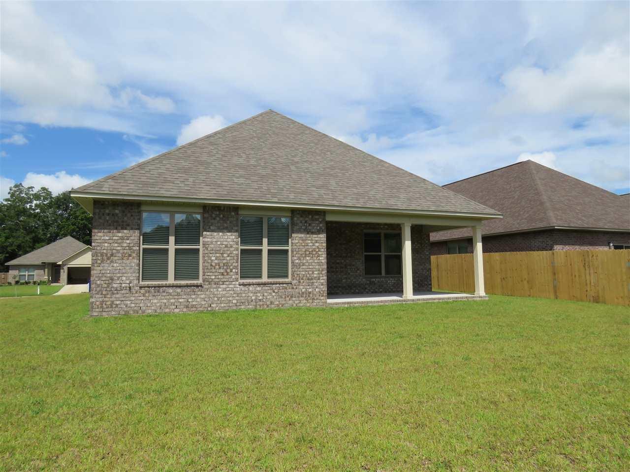 5260 Parkside Dr, Pace, FL 32571