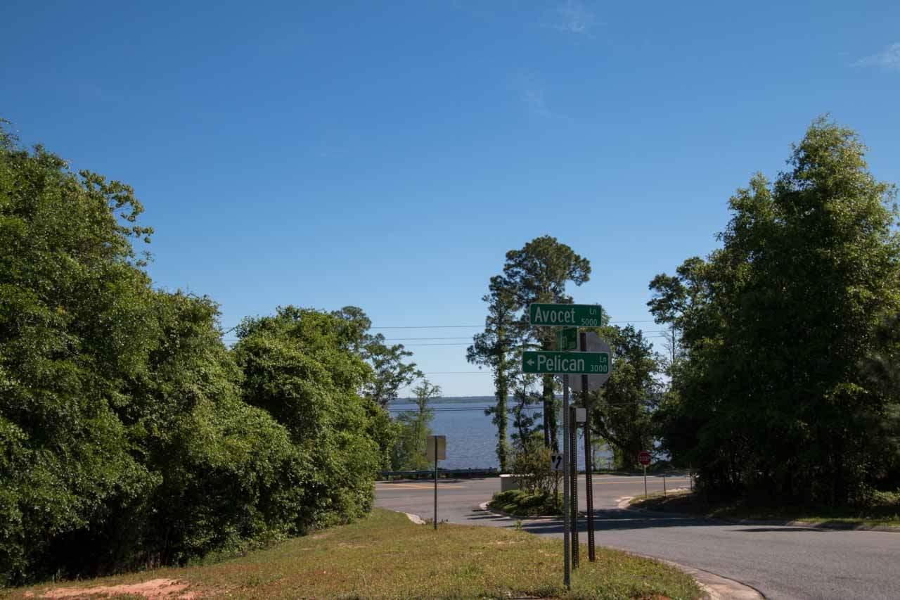 3003 Pelican Ln, Pensacola, FL 32514