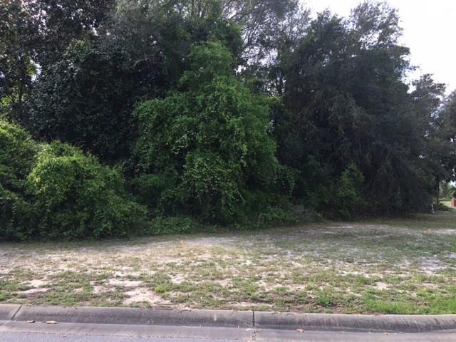 7403 Tall Oak Ct, Navarre, FL 32566