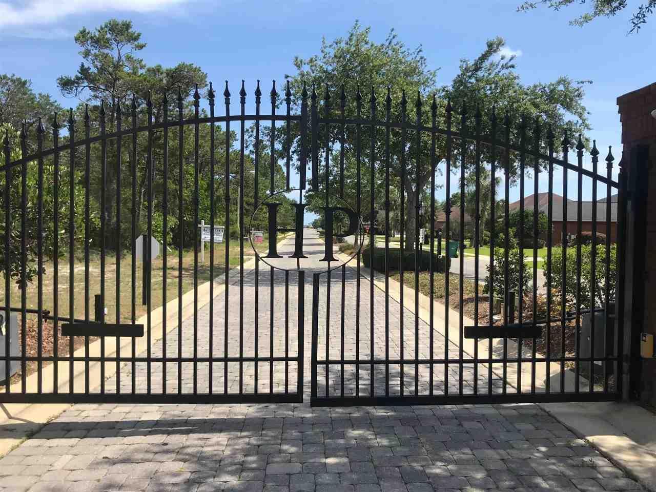 2072 Heritage Park Way, Navarre, FL 32566