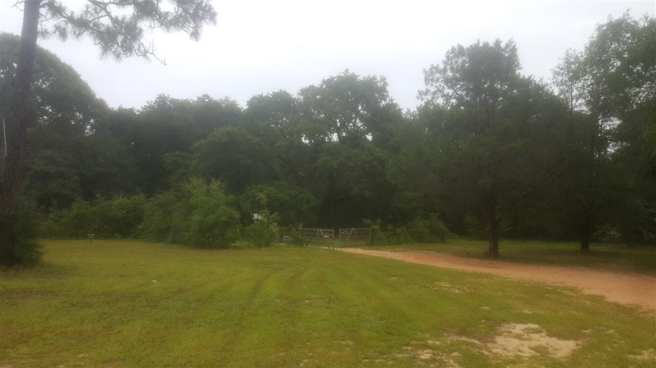 8863 Eight Mile Creek Rd, Pensacola, FL 32534