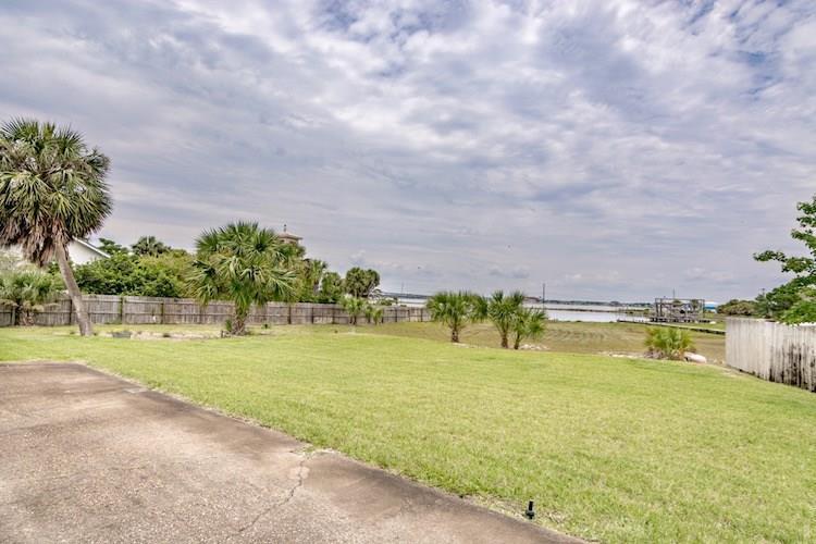 116 Matamoros Dr, Pensacola Beach, FL 32561