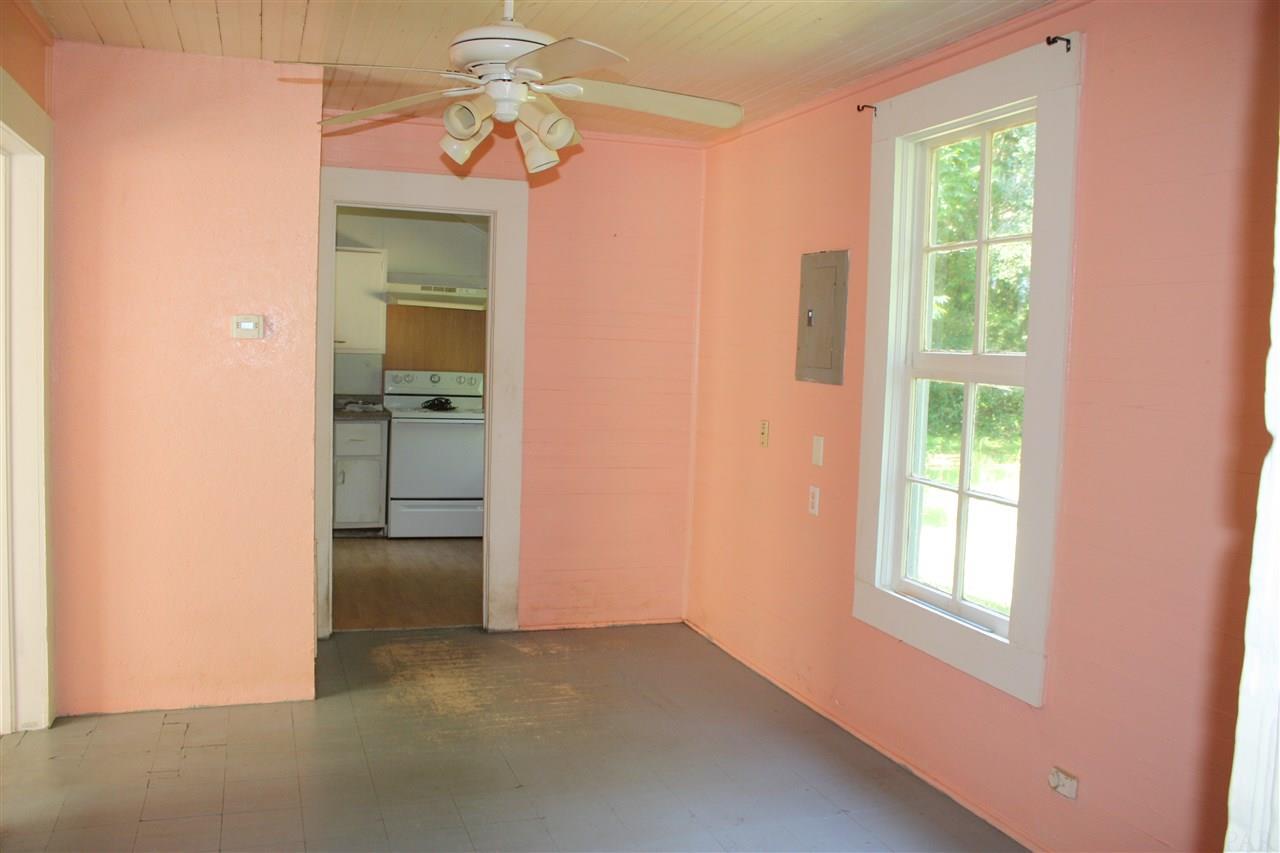 6678 Sanders St, Milton, FL 32570