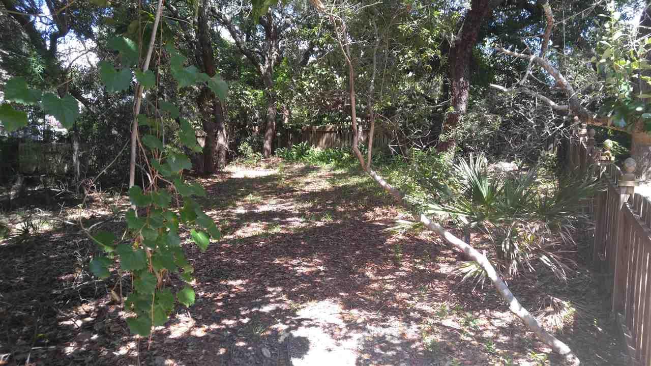 14 Shoreline Pl, Gulf Breeze, FL 32561