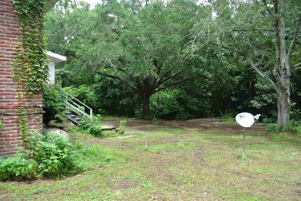 298 Averitt Pl, Crestview, FL 32539