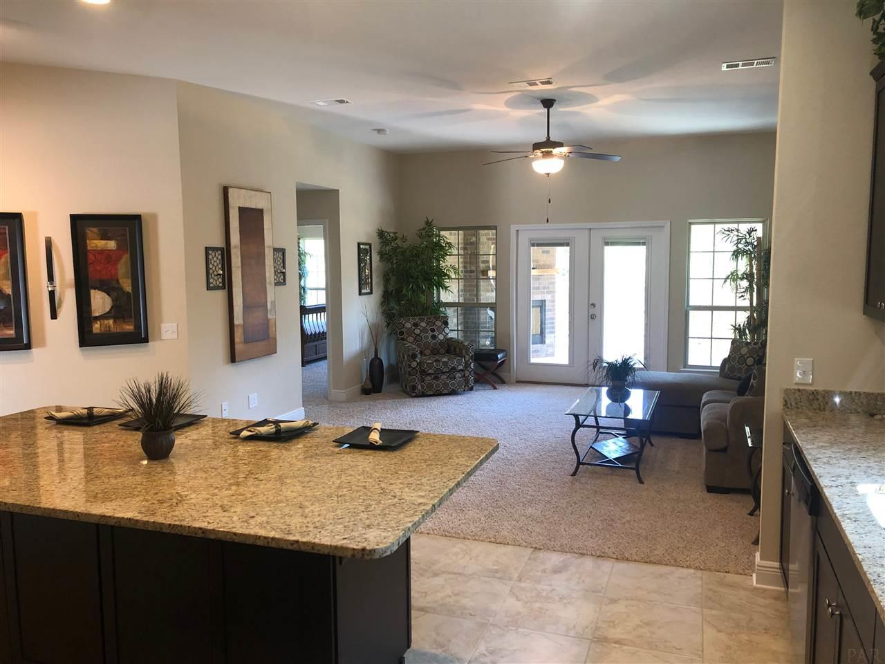 6061 Twenty One Oaks Dr, Pensacola, FL 32526