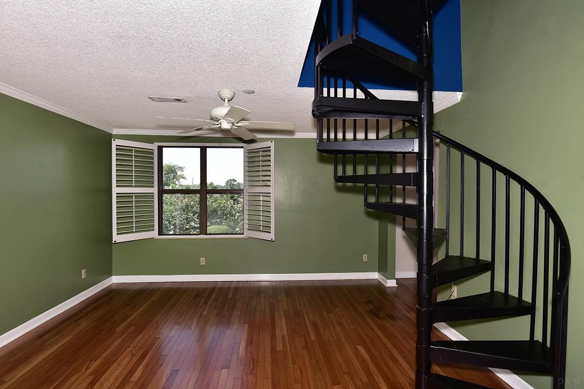 2007 E Gadsden St #205, Pensacola, FL 32501