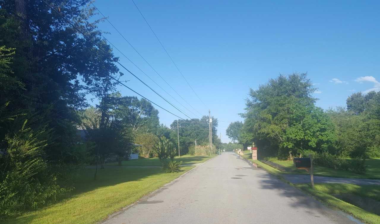 Pinebrook Cir, Cantonment, FL 32533