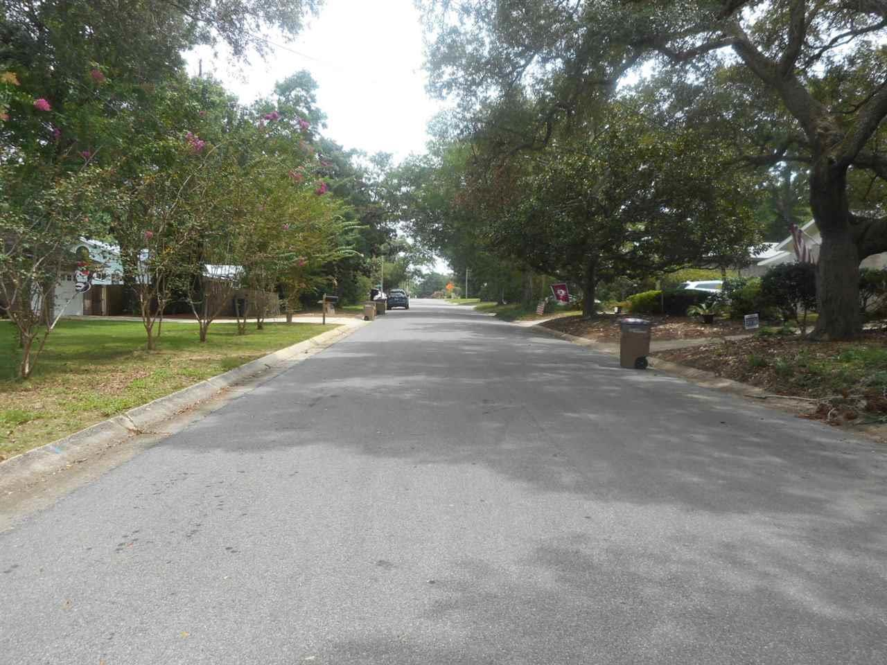 2702 E Brainerd St, Pensacola, FL 32503