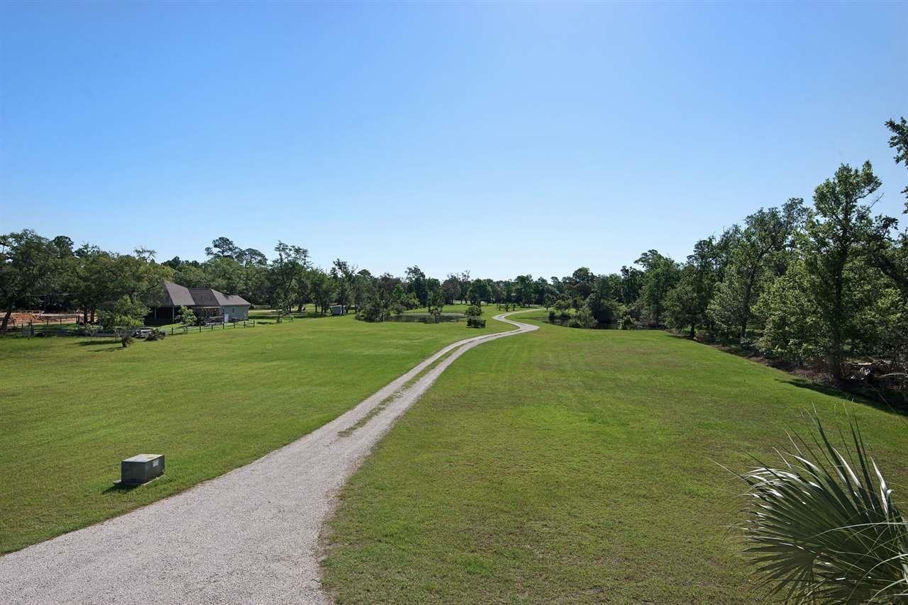 621 S Garcon Point Rd, Milton, FL 32583