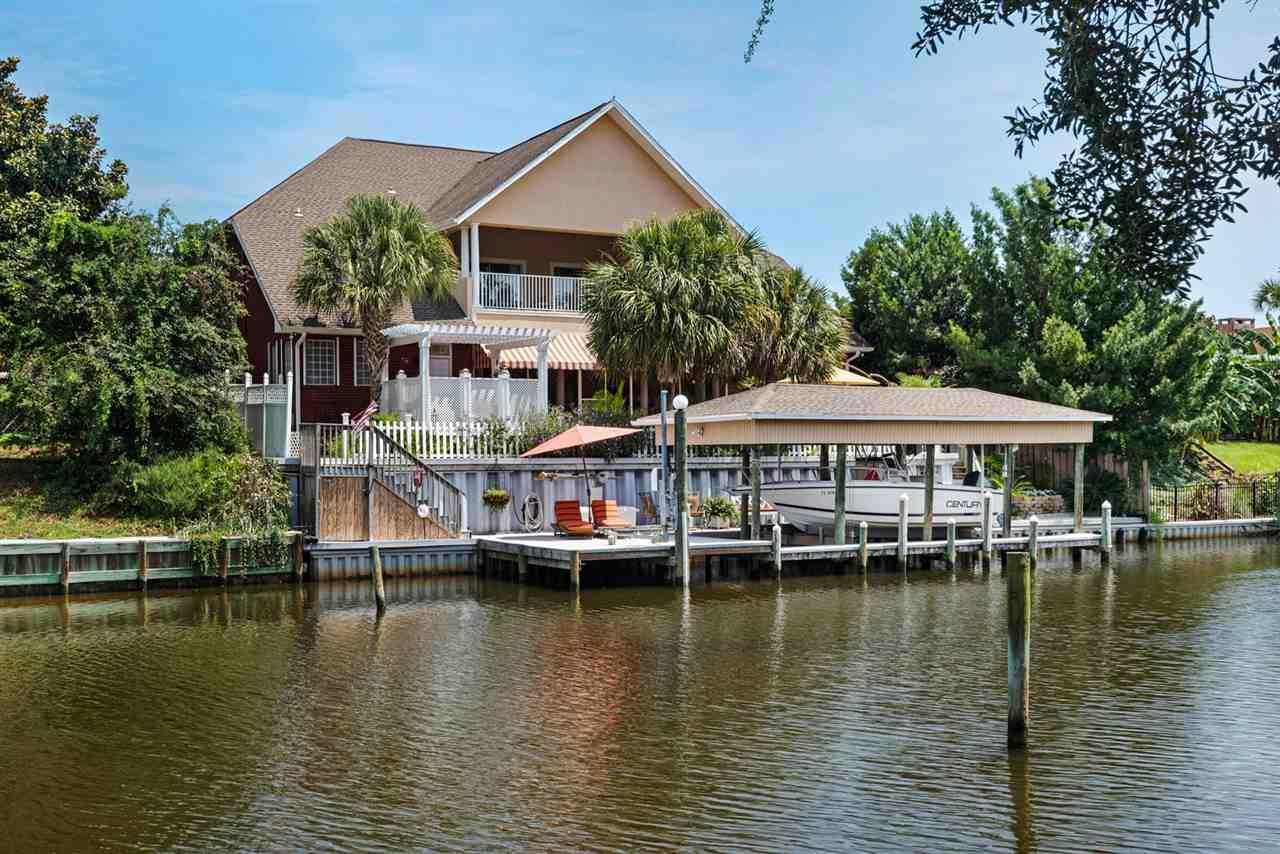 1157 Harbor Ln, Gulf Breeze, FL 32563