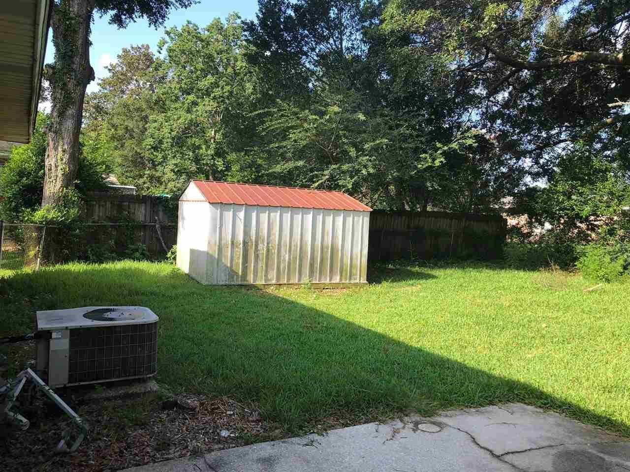 1023 Potomac Dr, Pensacola, FL 32505
