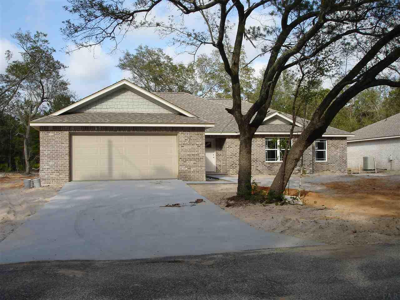 5931 Clay Cir, Gulf Breeze, FL 32563